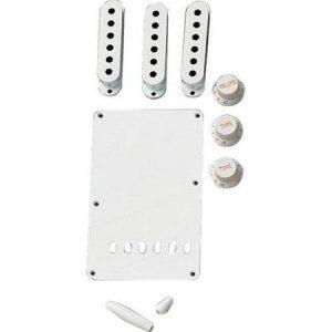 Fender Stratocaster White Accessory Kit